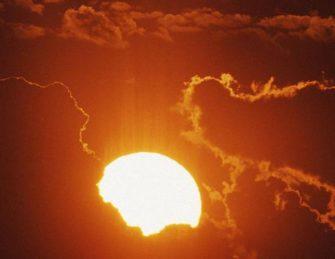 Строение и эволюция Солнца