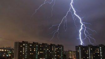 Гроза и молния — ускорители элементарных частиц более мощные, чем солнечные вспышки