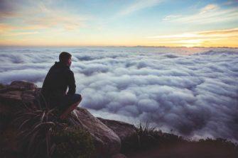 Ощущение бессмысленности, тревога и бездействие у здорового человека: как возникают и как с ними справляться?